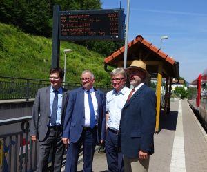 Neu in Betrieb gegangene Dynamische Fahrgastinformation im Bahnhof Bad Urach